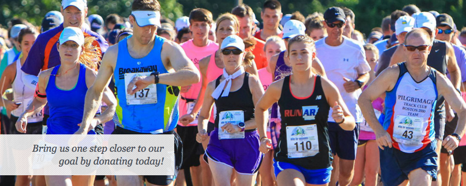 People running a race together